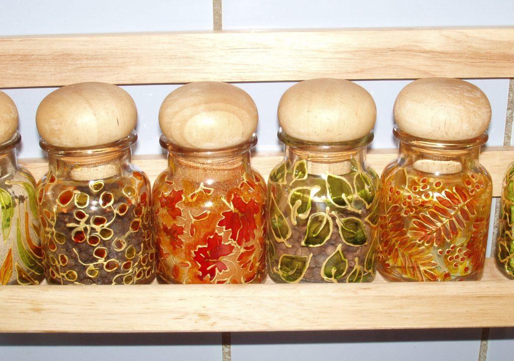 Декор банок своими руками: идеи для емкостей из разных материалов ( 46 фото)