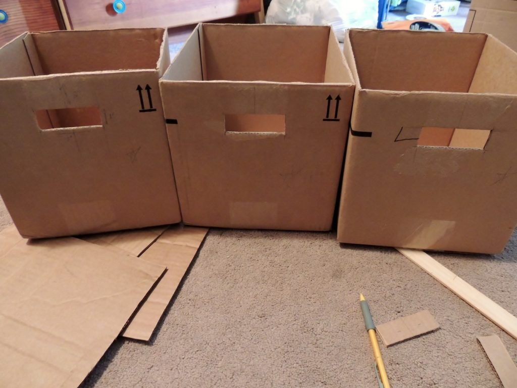 Как обшить картонную коробку тканью своими руками под игрушки 44