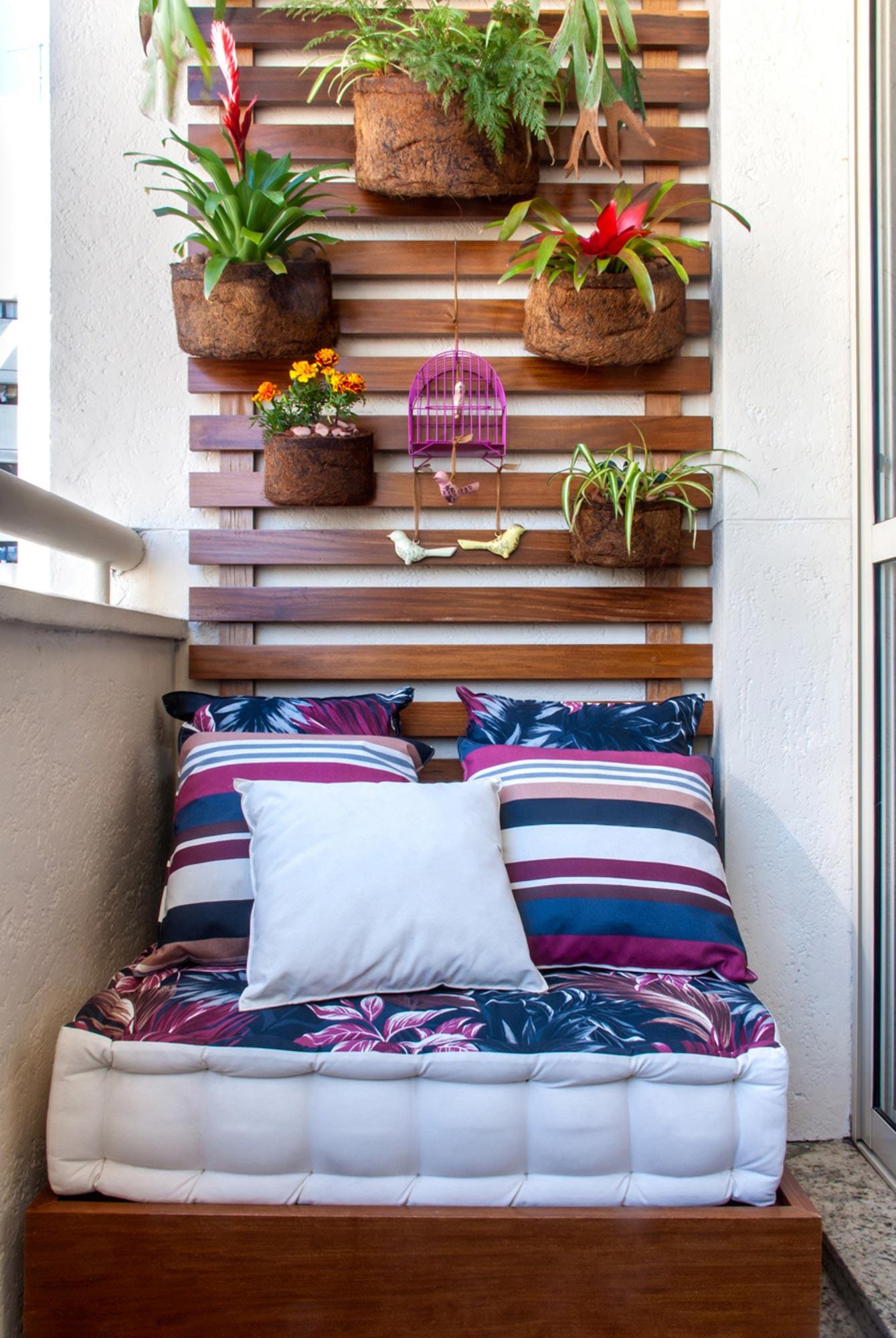 Идеи для декора на балконе своими руками.