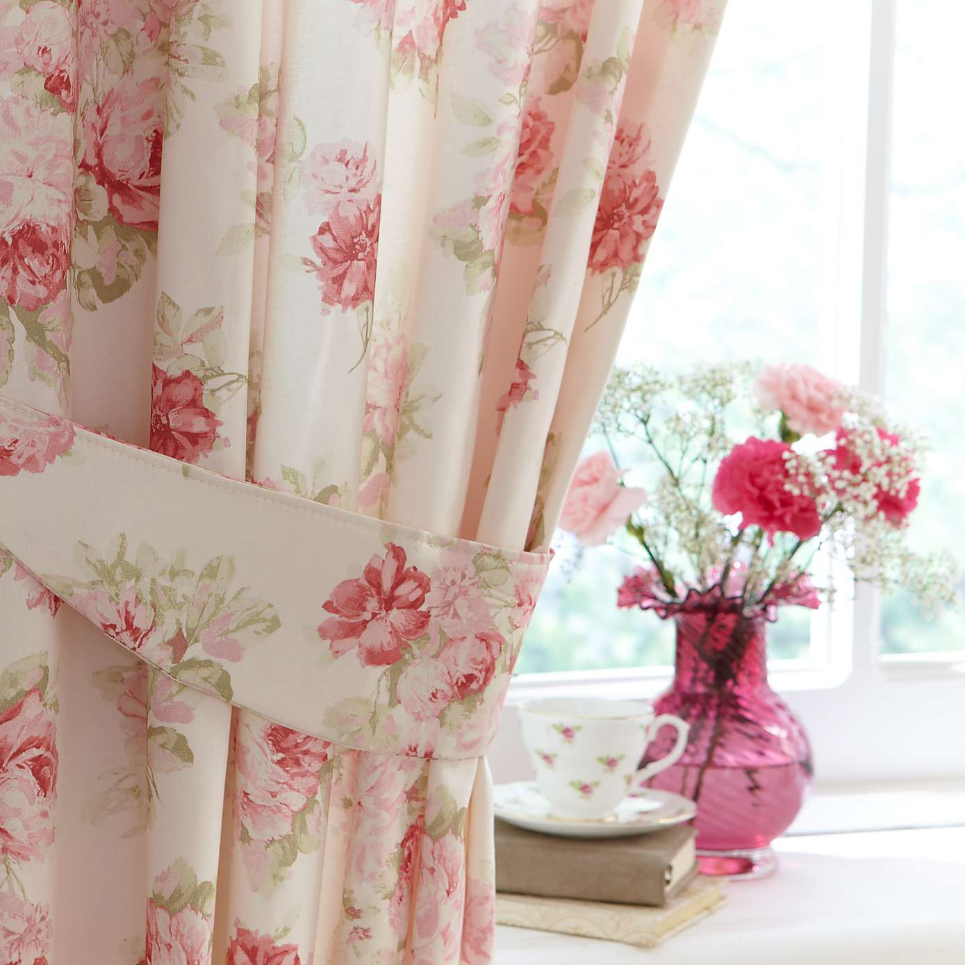 Curtains flowers
