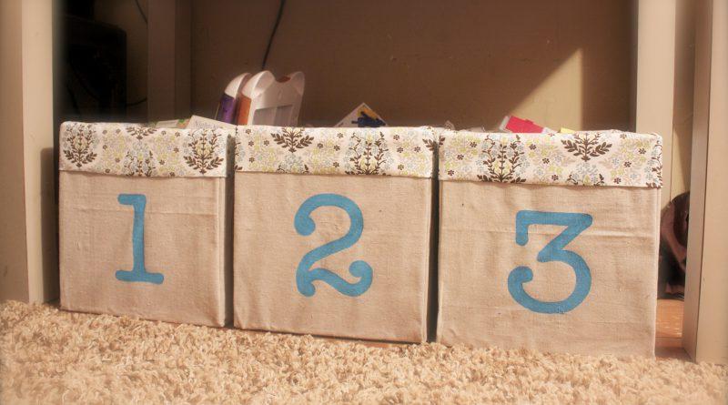 Как обшить картонную коробку тканью своими руками под игрушки 99