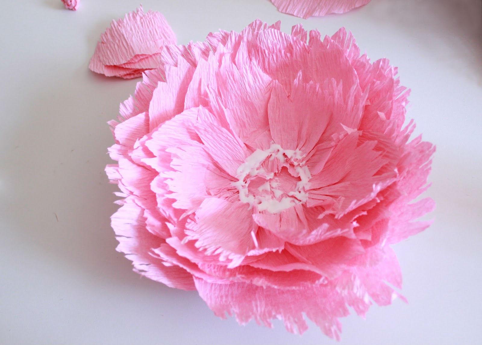 Как сделать объемные цветы большие из бумаги своими руками