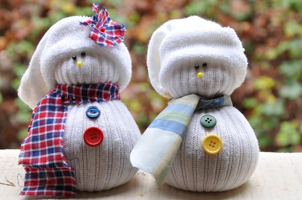 Снеговики из носков своими руками