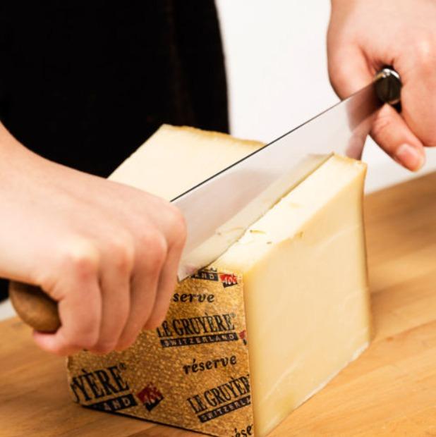 Как нарезать твердый сыр