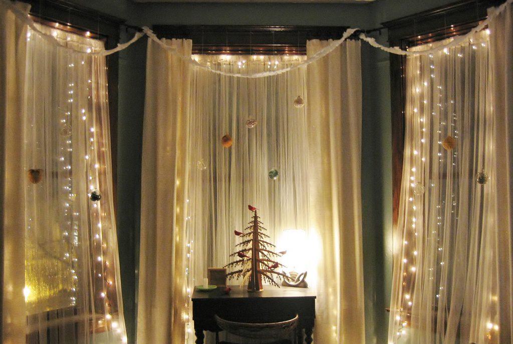 Украшение штора на новый год