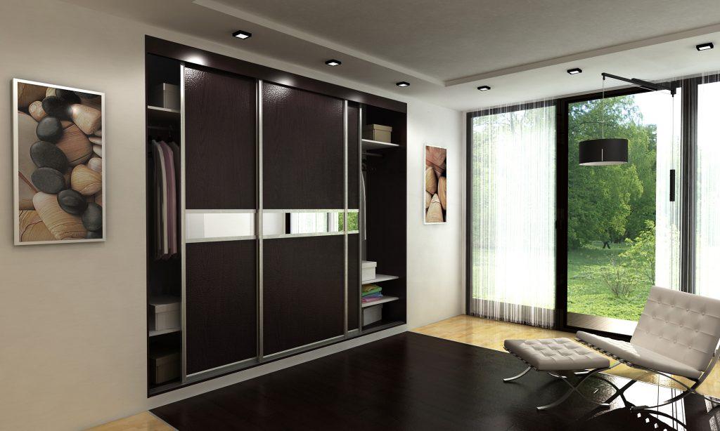 гардеробная с раздвижными дверями