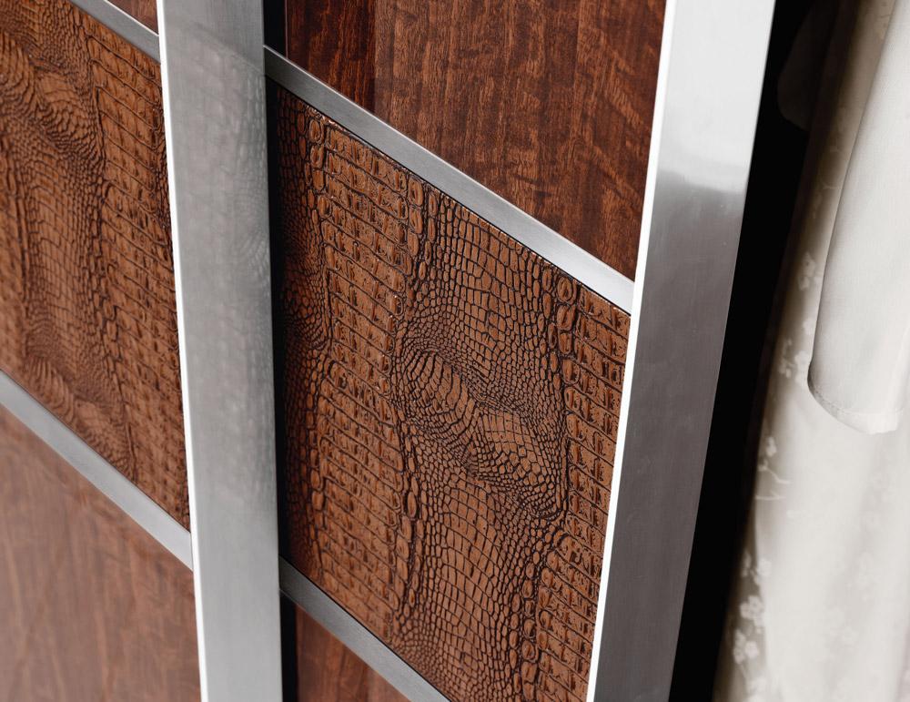 Раздвижные двери для гардеробной со вставками