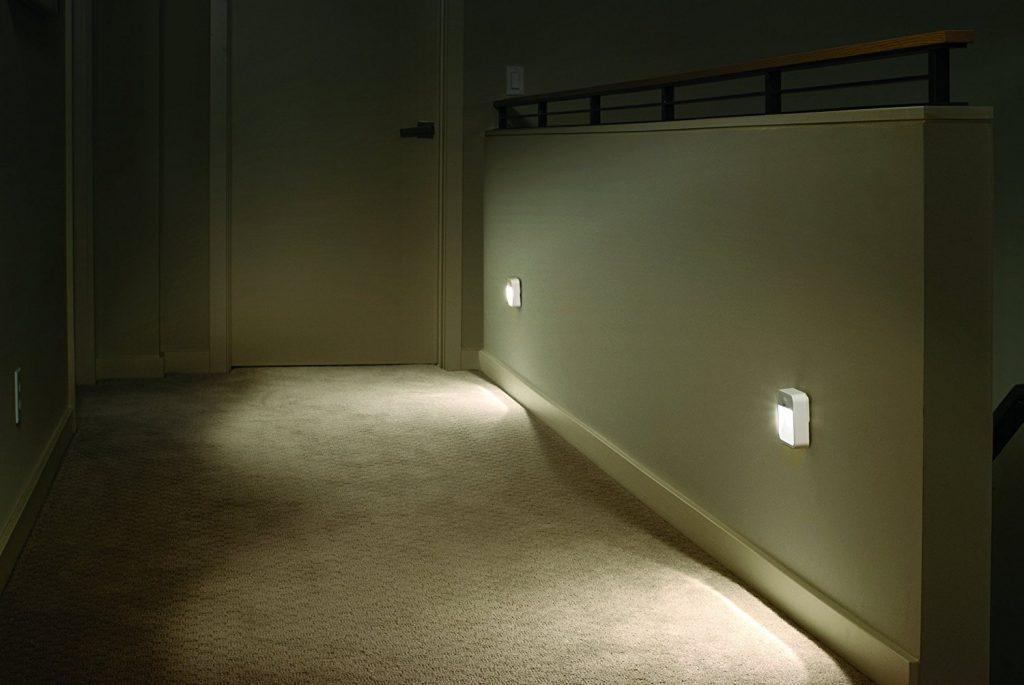Светильники с датчиком движения в коридоре
