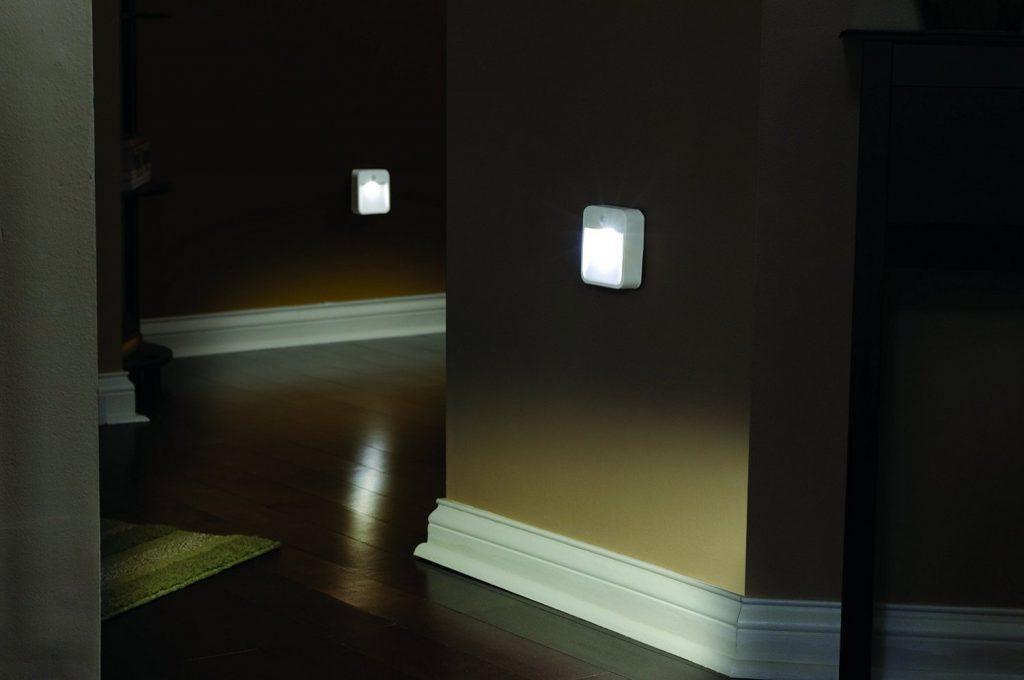 ночное освещение в коридоре