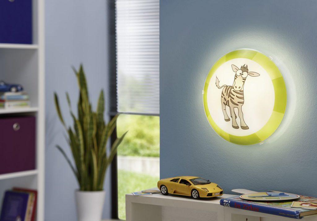 Плоский светильник в детской