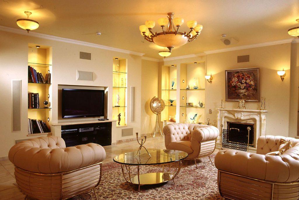 Освещение в гостиной классического стиля