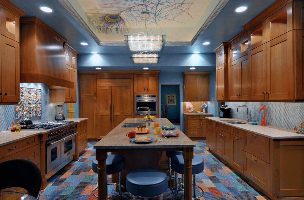 многоуровневое освещение на кухне