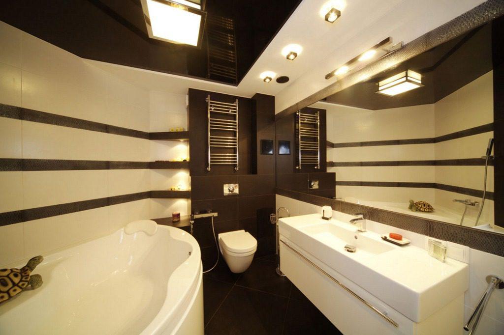 Многоуровневое освещение в ванной комнате