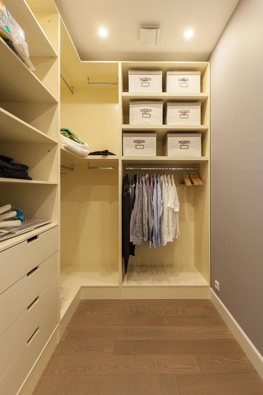 Как сделать гардеробную: планировка и наполнение 42