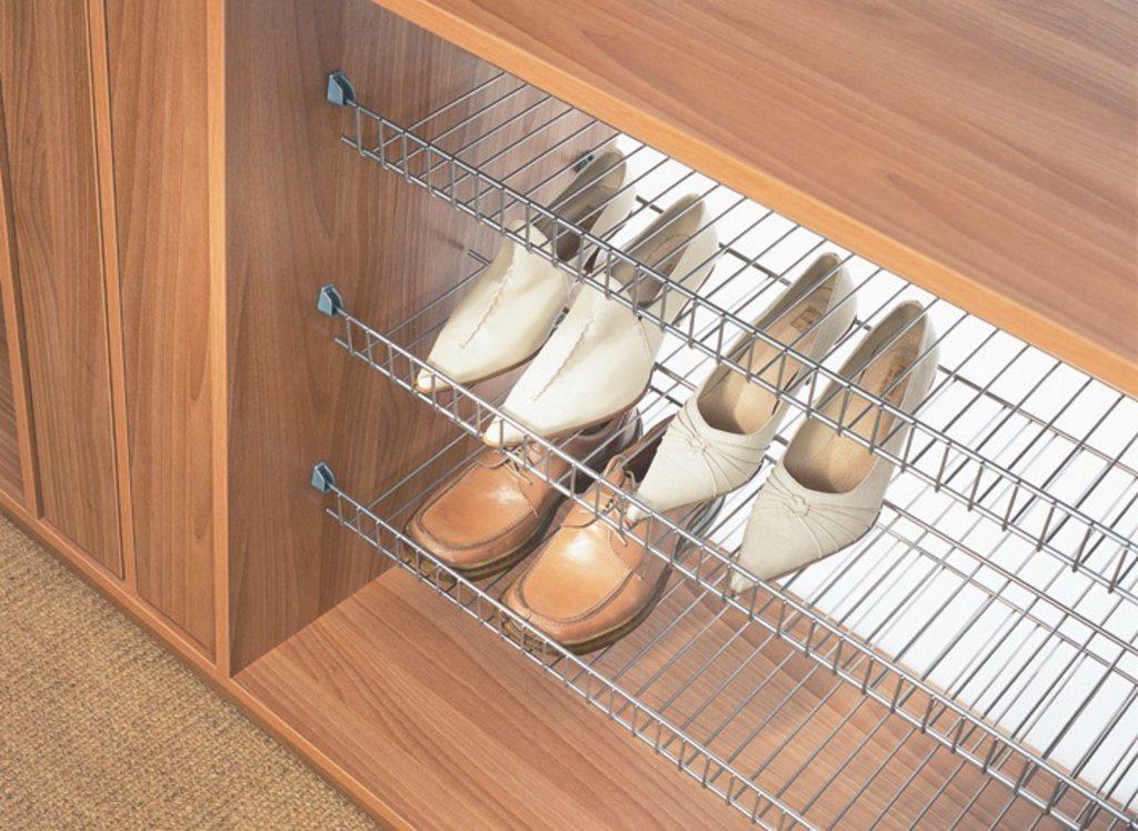 нижний ярус под обувь в гардеробной системе