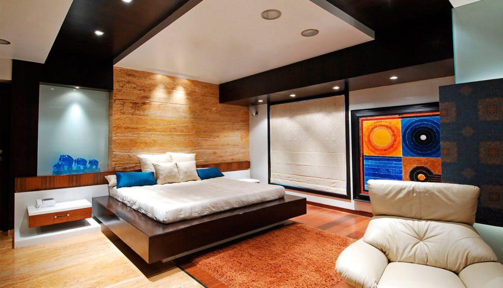Точечное освещение потолка в спальне