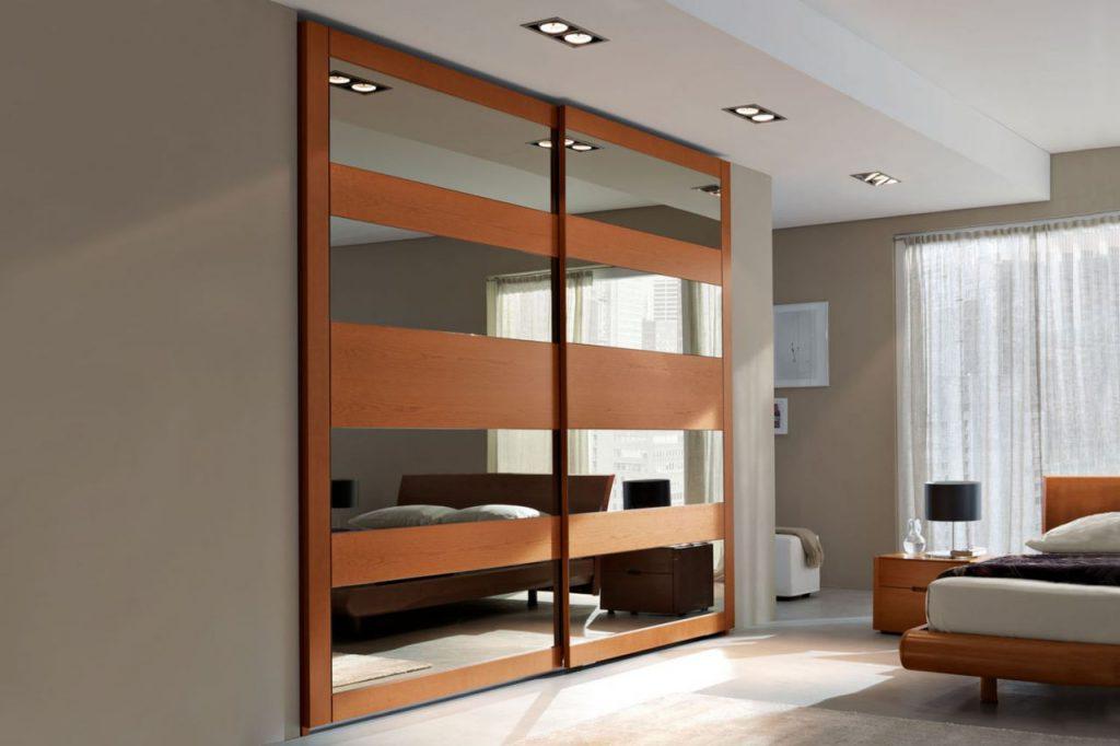 Двустворчатые раздвижные двери в гардеробную