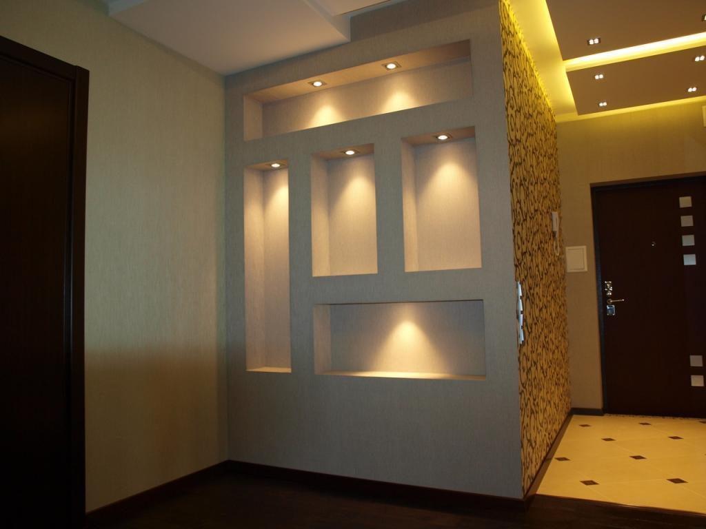 ниши с подсветкой в коридоре