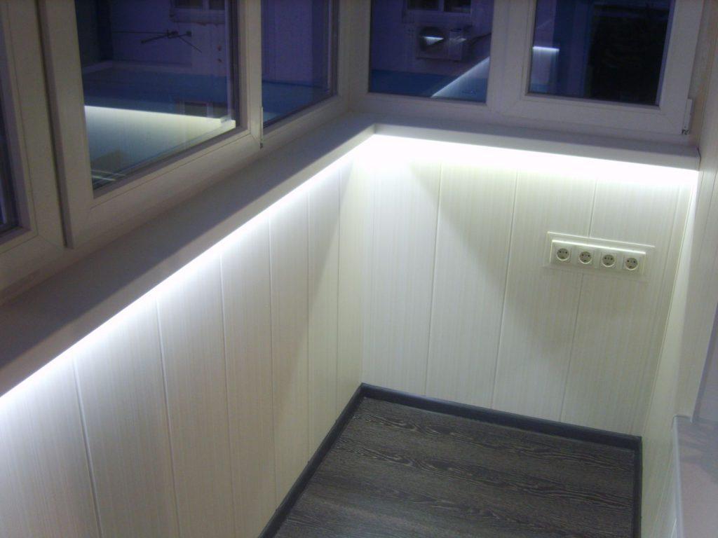 Светодиодная подсветка на балконе