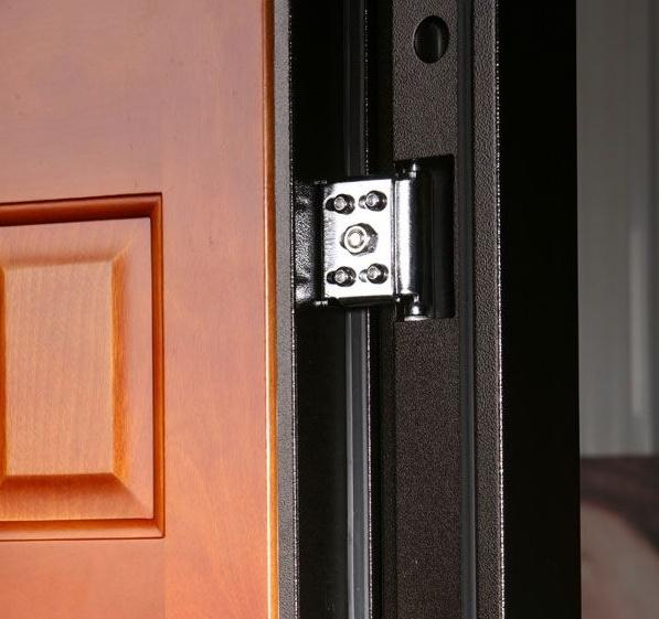 Внутренние петли на металлической двери
