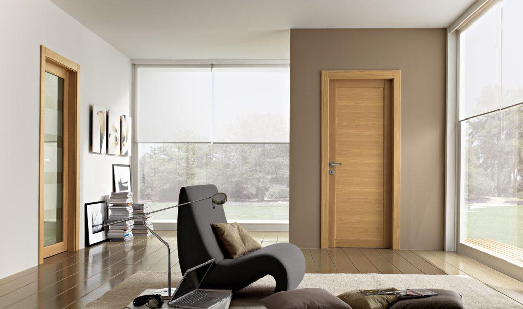 Светлые межкомнатные двери в интерьере