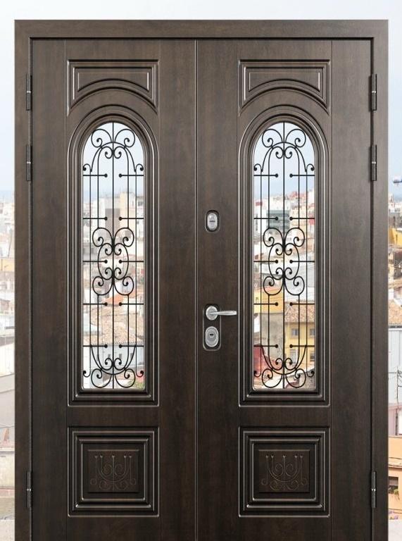 Двустворчатая входная дверь в частный дом
