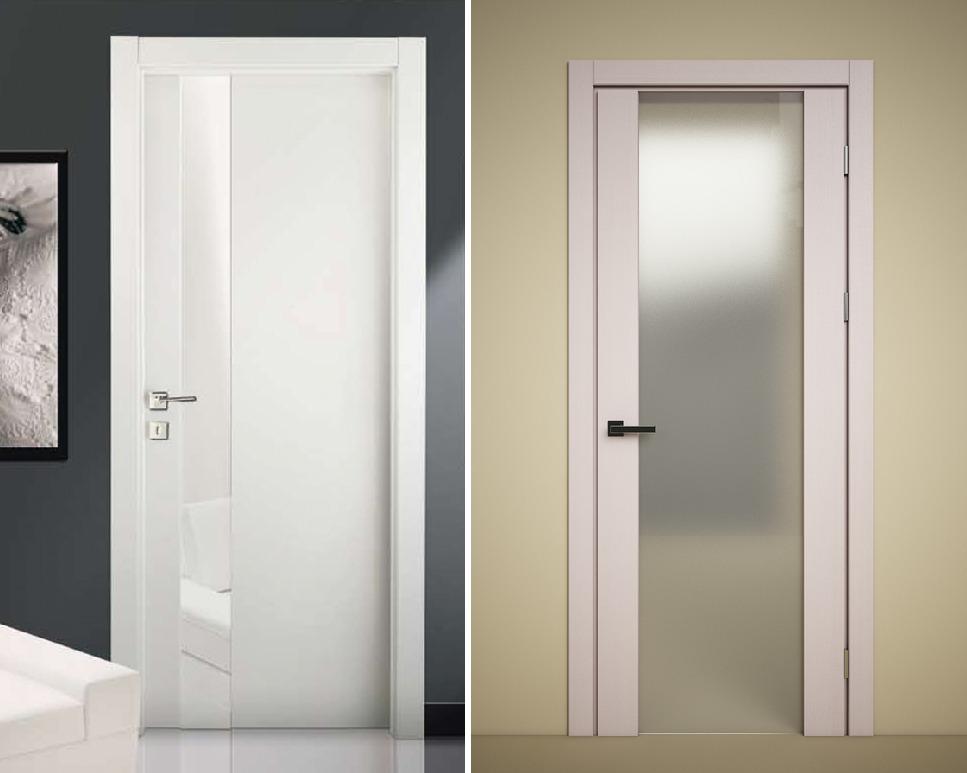 Гладкие белые двери со вставками из матового стекла