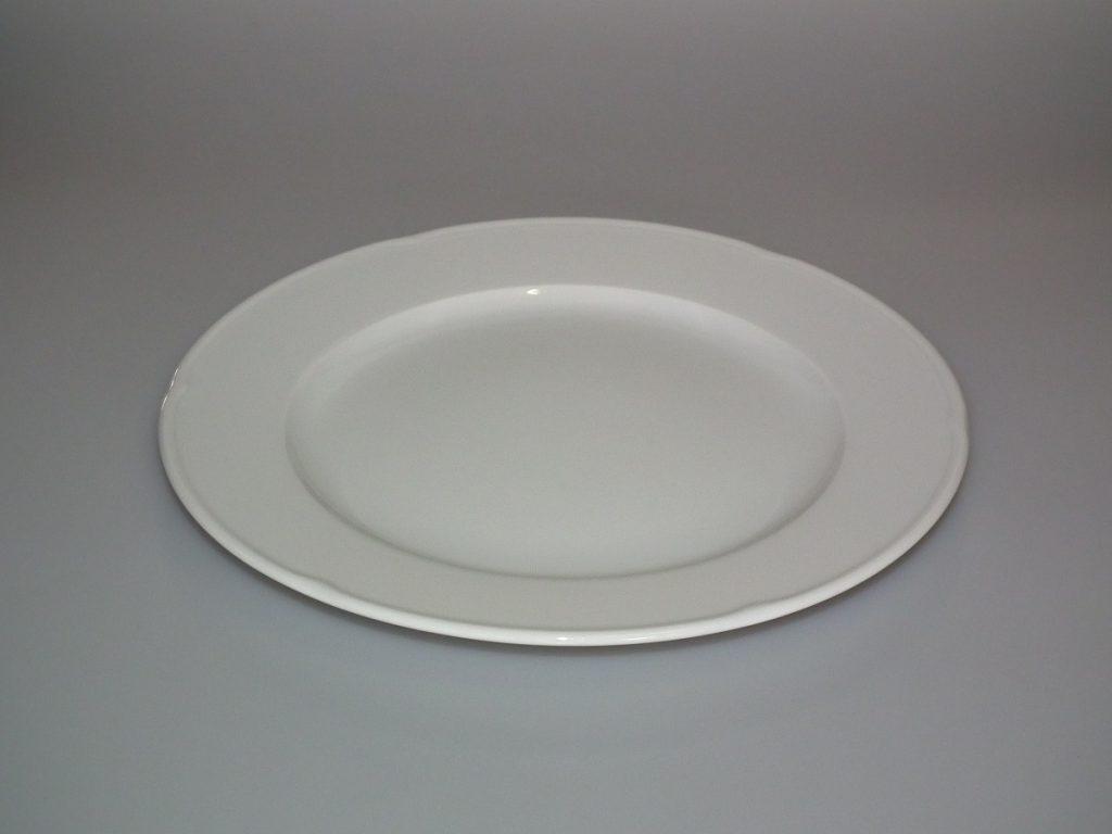 Мелкая столовая тарелка