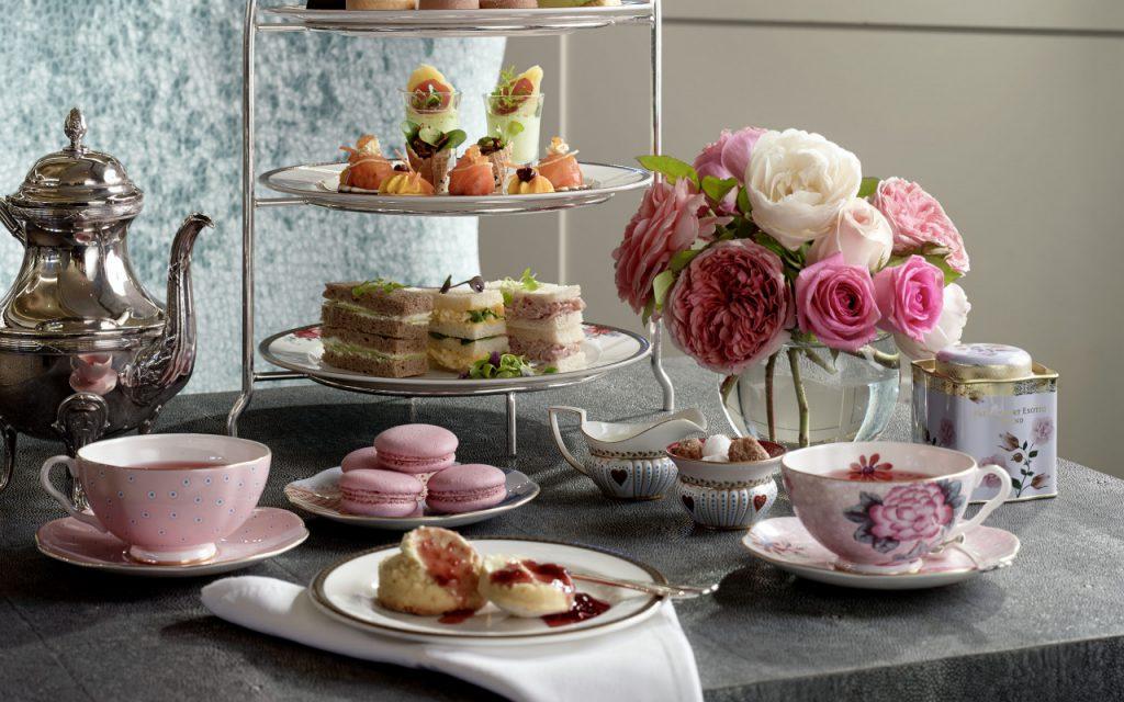 Как расположить десерты на чайном столе