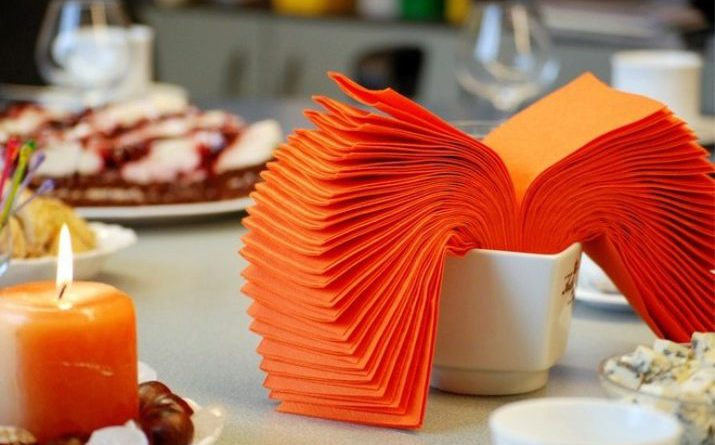 Как красиво сложить салфетки для праздничного стола: разнообразие вариантов [мастер-классы]
