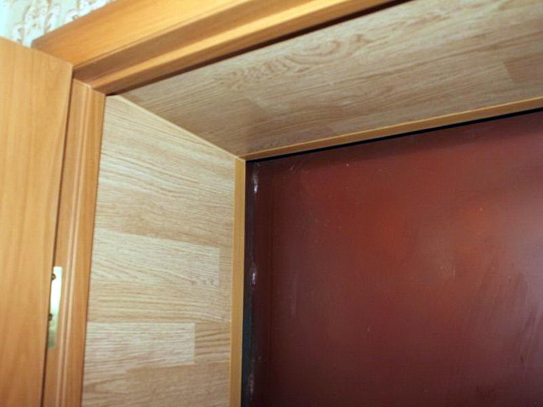 Отделка межкомнатных дверей ламинатом своими руками 75