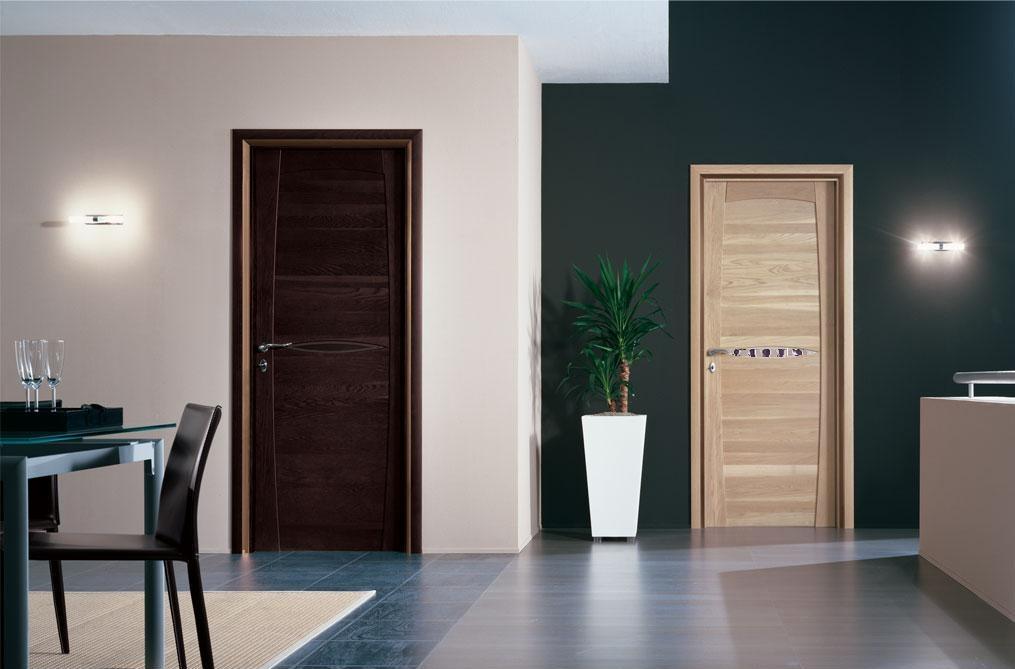 Двери разного цвета в одной квартире