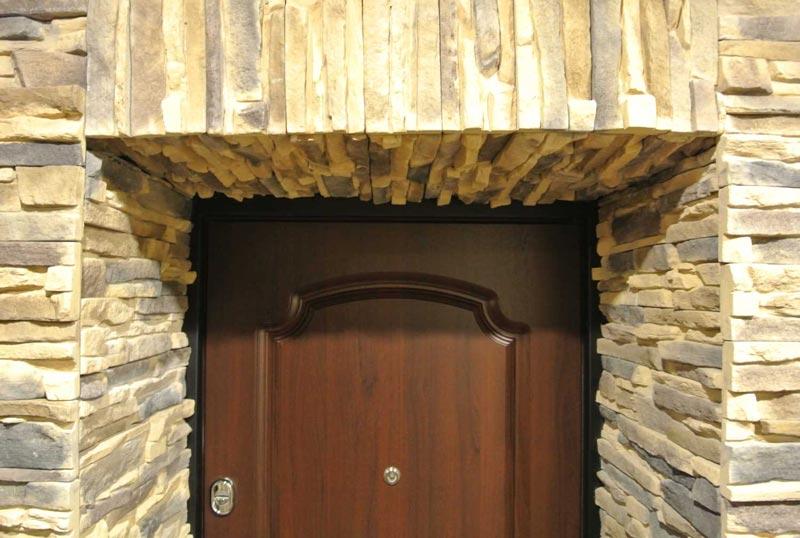 Отделка дверных откосов камнем