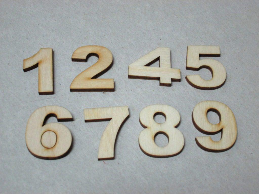 Цифры на входные двери из дерева своими руками