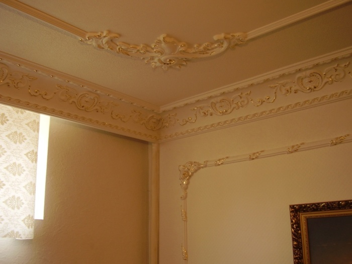 Как сделать потолок из багета