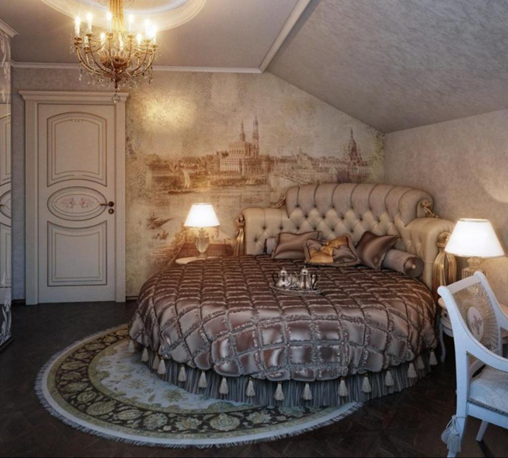 Круглый ковер в интерьере спальни классического стиля