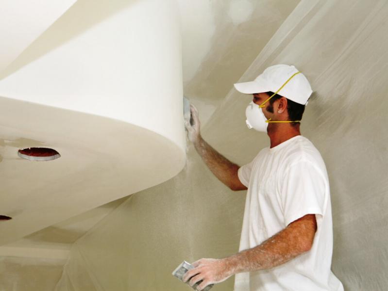 Как прошпаклевать потолок своими руками 55