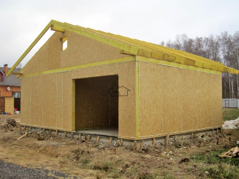 Постройка гаража из сип панелей: преимущества и ход работы в фото