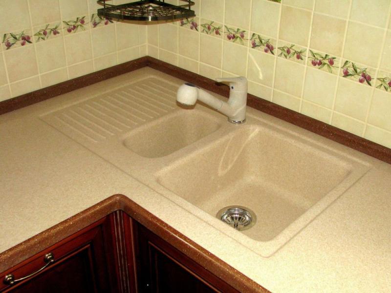 Установка плинтуса на кухонную столешницу своими руками фото 853