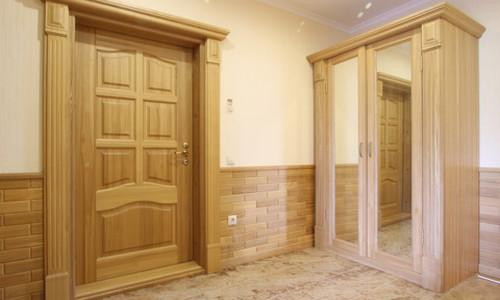 Деревянные двери для бани (41 фото): входные конструкции