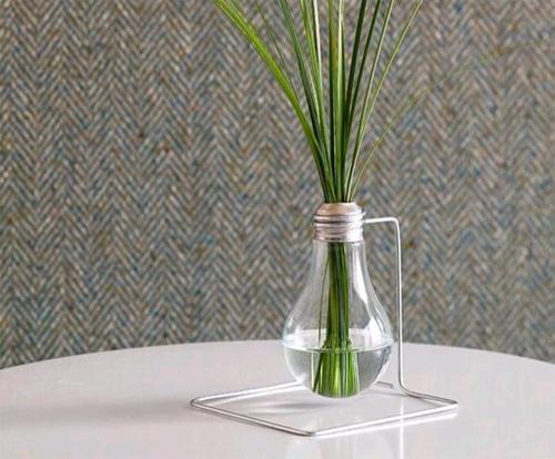 Стильная ваза из лампочки своими руками