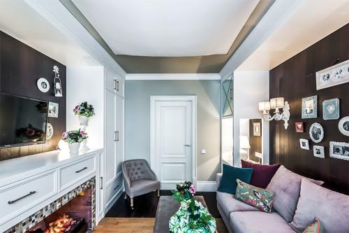 интерьер комнаты с диваном фото