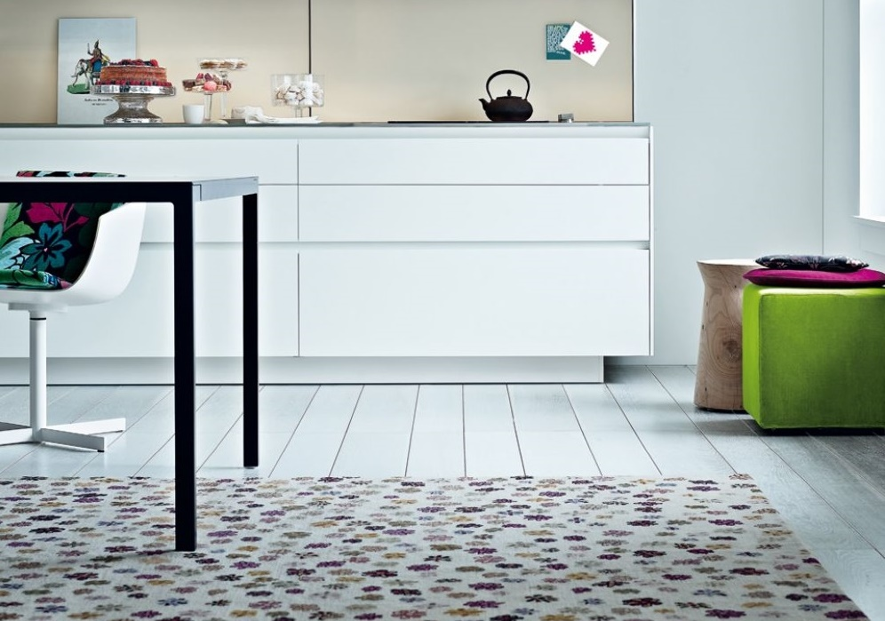 Ковер на кухне в стиле минимализм