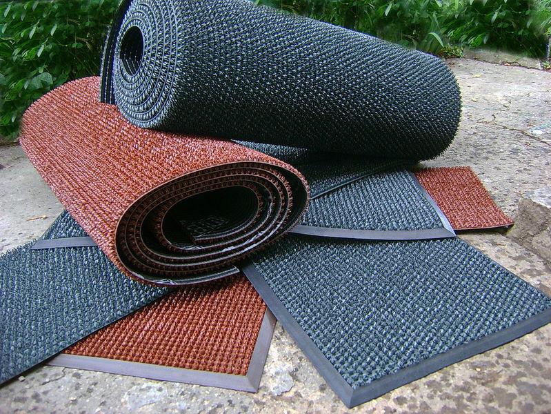 Резиновые коврики с ворсом для входных зон