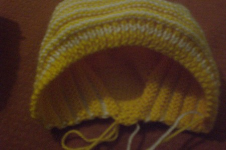 Вязание спицами для новорожденных: схема чепчика и шапочки