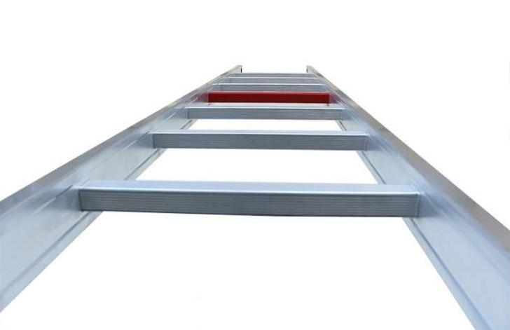 Односекционная алюминиевая лестница