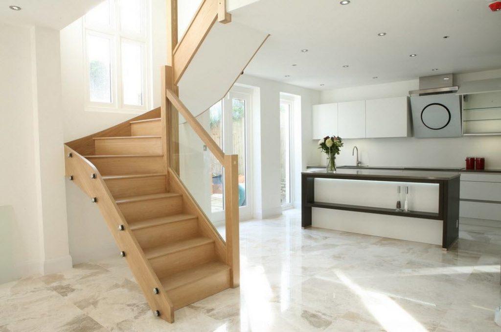 Лестница с поворотом 180 градусов с забежными ступенями