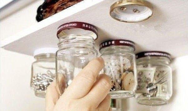 Органайзеры из стеклянных банок в фото