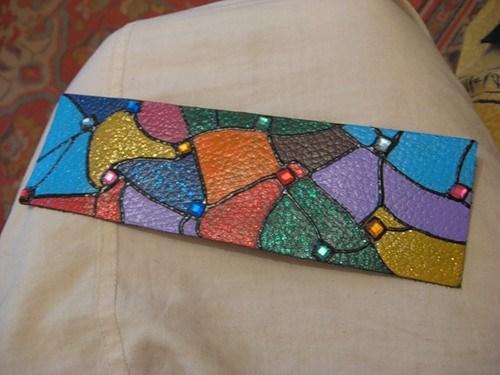 Кожаные браслеты ручной работы в фото