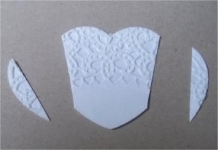 Платье из салфетки для открытки: аппликация в технике скрапбукинг в фото